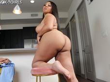 Skylar White Big Juicy Booty Black Tgirl