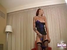 Amanda Coxx Kicks Ass